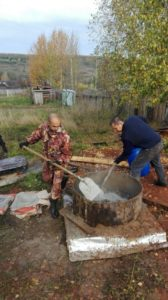 Строительство овощной ямы в РНЦ «Успех-Нации», д. Песьянка, Частинский район, Пермский Край.